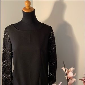 Banana republic lace sleeve top size XS